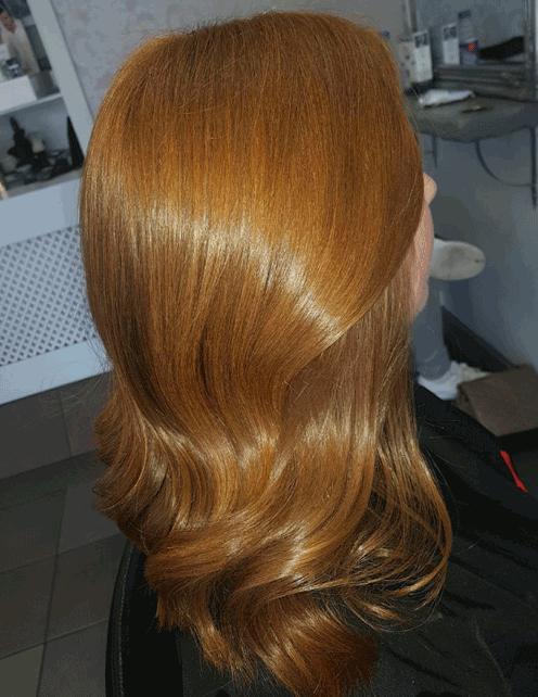 Blowdried wavy hair